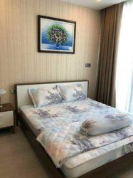 Thuê ngắn hạn căn hộ Vinhomes Golden River 2 phòng ngủ giá tốt quận 1