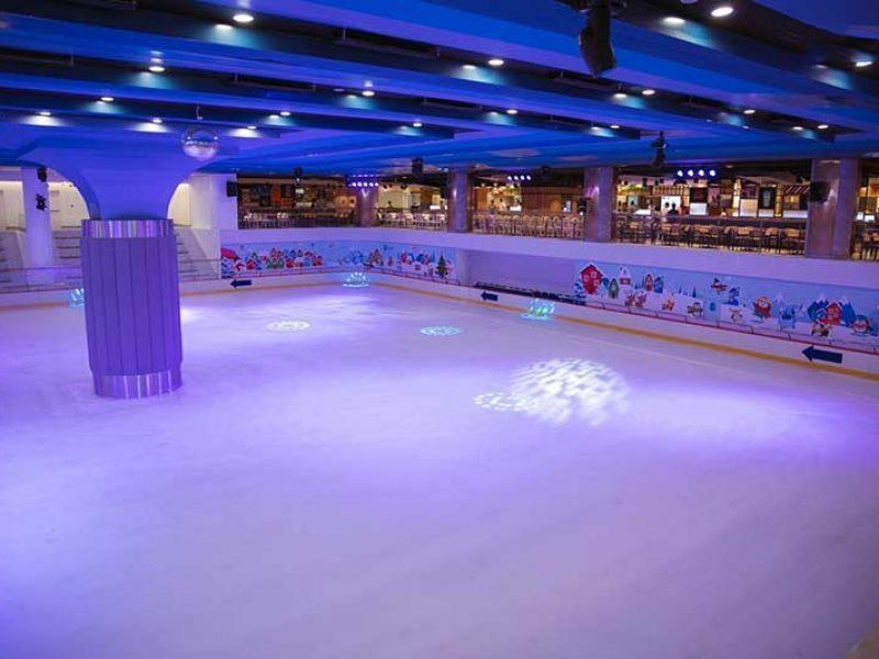 Sân trượt băng nghệ thuật tầng hầm Landmark 81