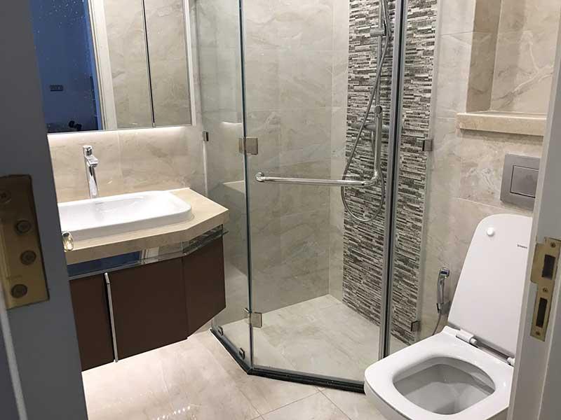 Toilet căn hộ Vinhomes Golden River
