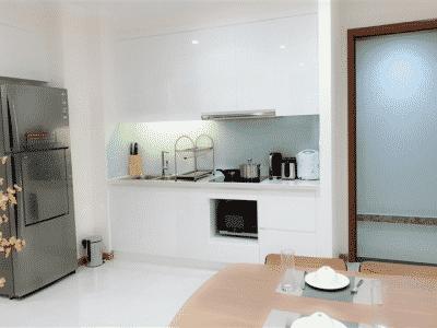 Bếp mở căn hộ Landmark 2 cho thuê