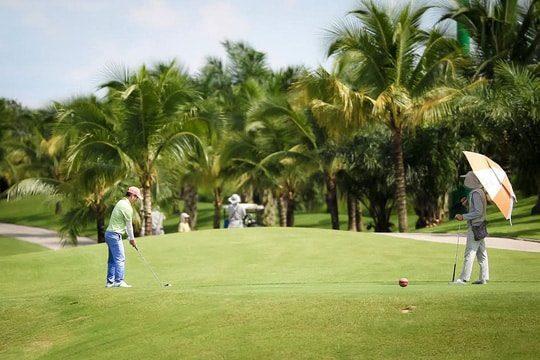 Khởi động kỹ lưỡng trước khi chơi Golf tránh chấn thương
