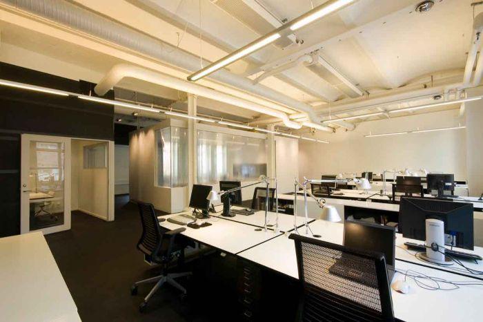 Không gian văn phòng bên trong tòa nhà