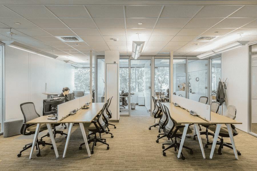 Không gian làm việc đầy đủ tiện nghi