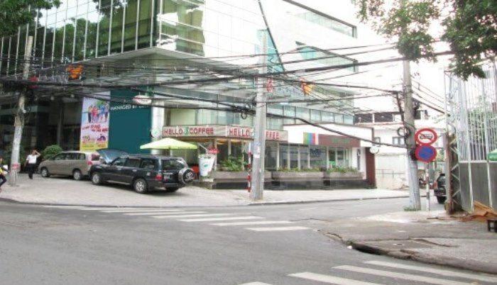 Abacus Building nằm trên đường Nguyễn Đình Chiểu