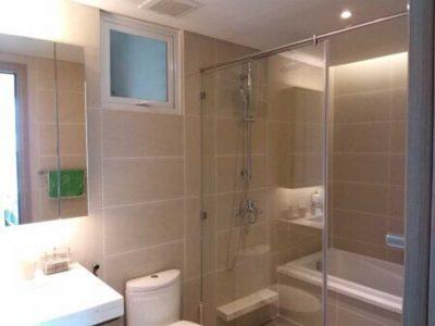 nhà tắm đủ tiện nghi
