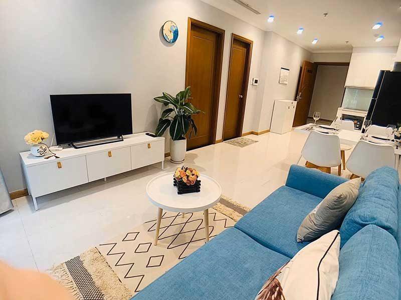 Phòng khách thuê căn hộ vinhomes