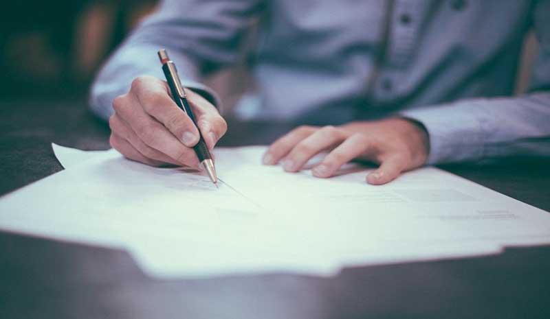 Kiểm tra hợp đồng